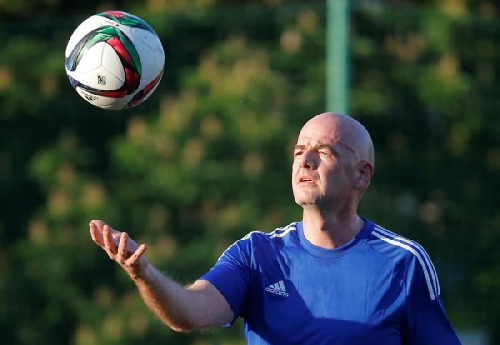 Videoscheidsrechter mogelijk al tijdens het WK 2018 in Rusland