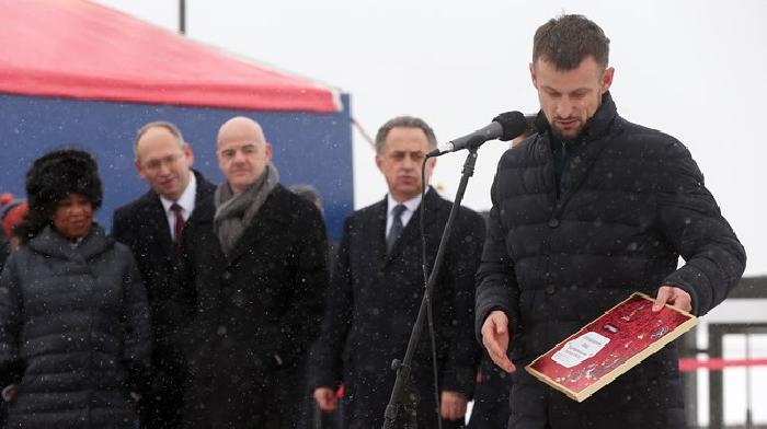 Voormalig aanvoerder Sergei Semak is ambassadeur voor het WK 2018